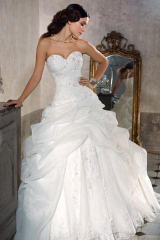 Trouwjurk Romantisch.Romantische Bruidsjurken 6 Susil S Bruidsatelier
